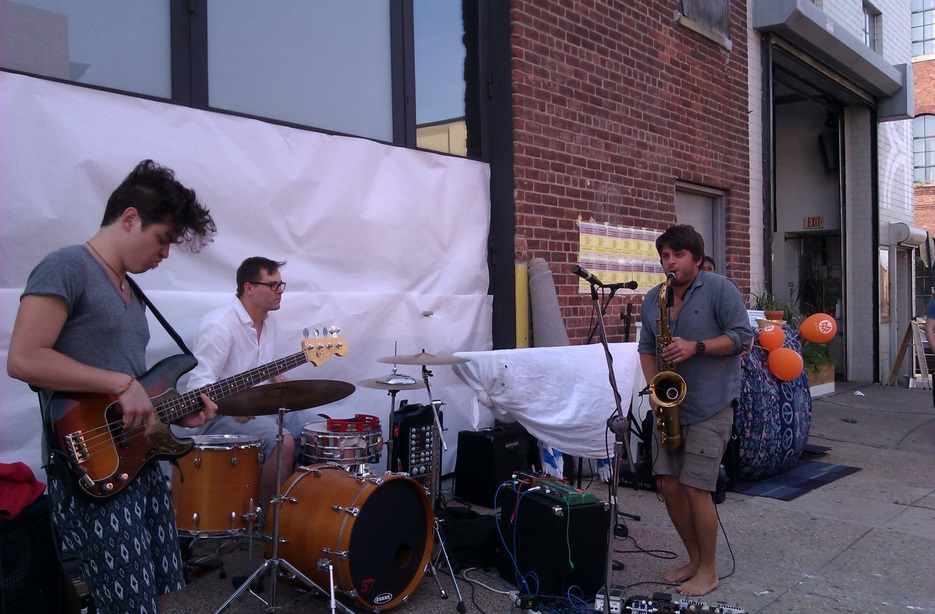 The Kandinsky Effect perform in front of Kinfolk Studios in Brooklyn on June 21st, 2013